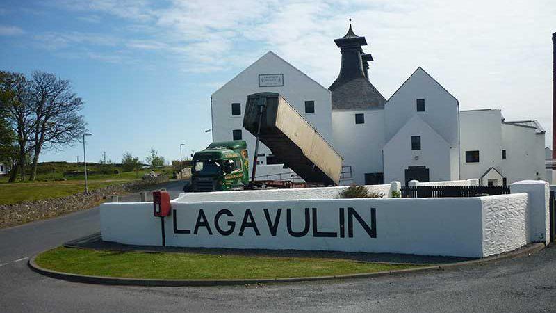 Lagavulin Distillery Islay